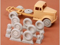 Kfz. 385 Wheel Set (late 8-bolt type) For Italeri/Tamiya Opel Blitz Kit.